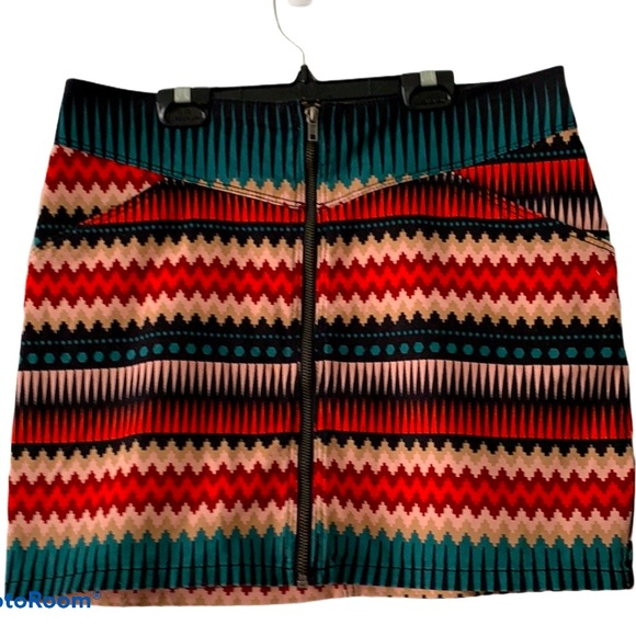 H&M Patterned Zip Front Mini Skirt